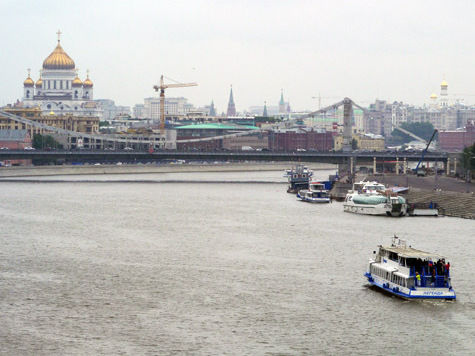 Туристов в Москве прокатят на катере