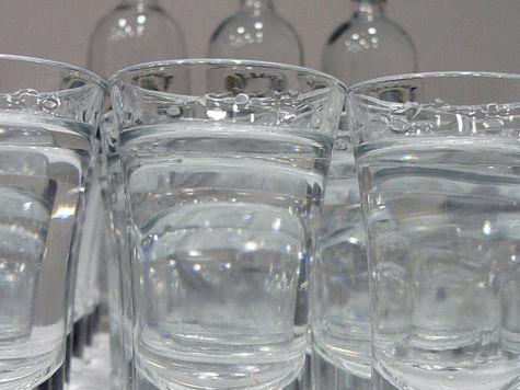 Желая скрыть измену, москвич влил в мужское достоинство водку