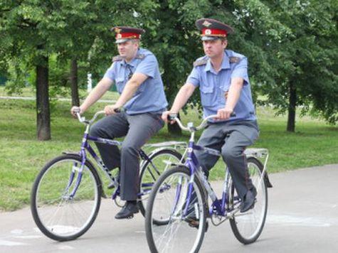 Московскую полицию пересаживают на велосипеды)))
