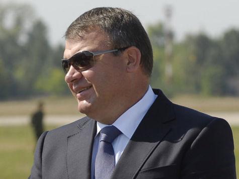 Сердюкову доверили военные испытания