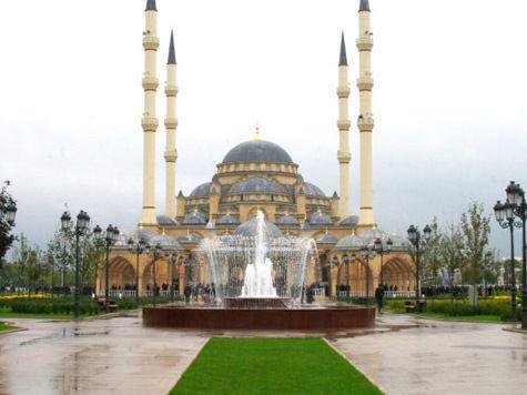 """Мечеть """"Сердце Чечни"""" стала символом России"""