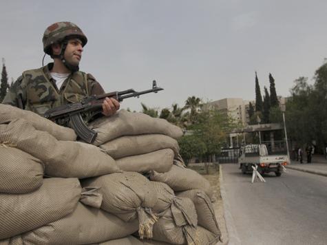 Турция двинула войска к сирийской границе