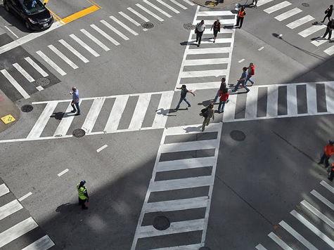 Пешеходы в Москве пойдут по диагонали