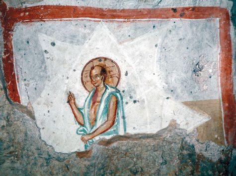 В Сербии обнаружена древняя фреска с лысым Христом в буддистских одеждах