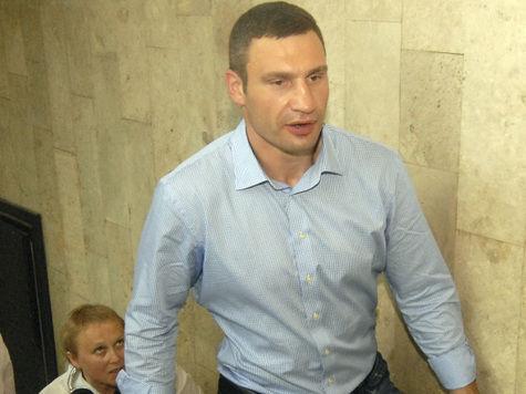 Виталий Кличко из-за травмы вернется на ринг только в 2014 году