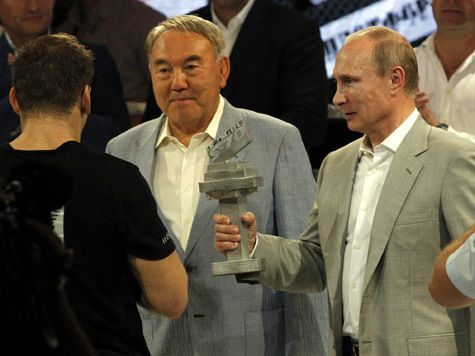 Непобедимый самбист «отомстил» южноафриканцам за драку с охраной Путина