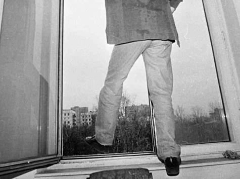 15-летний москвич, спрыгнувший с 14-го этажа, хотел узнать, что его ждет после смерти