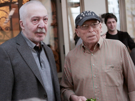 Юз Алешковский спел по-тюремному