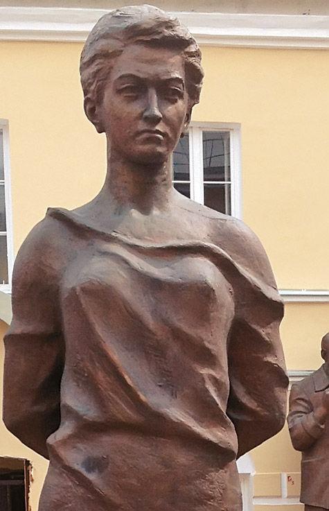 Зою Космодемьянскую воспел в бронзе лично Церетели