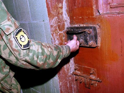 Десятки заключенных устроили кровавое побоище в новгородской колонии