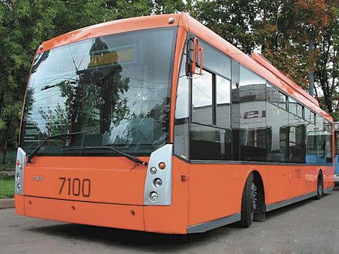 Троллейбусы станут делать пассажирам реверанс