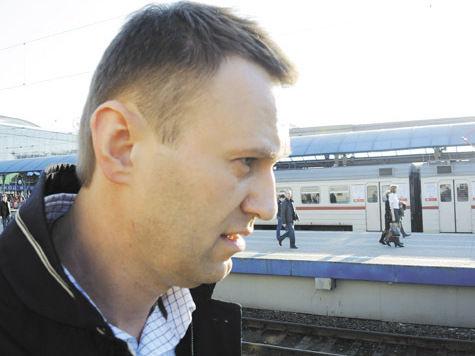 Адвокат: «Навального хотят заковать в наручники в зале суда»