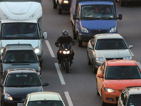 Московских мотоциклистов пустят на выделенные полосы