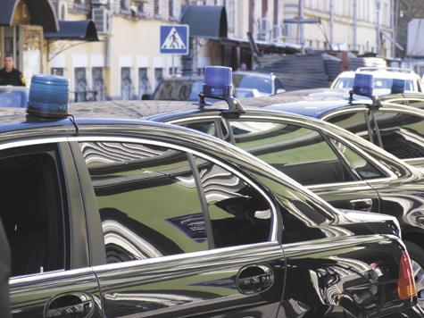 Депутаты Госдумы устроят автопробег за Путина