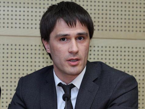 Сенатор Руслан Гаттаров просит генпрокурора Юрия Чайку разобраться с Facebook