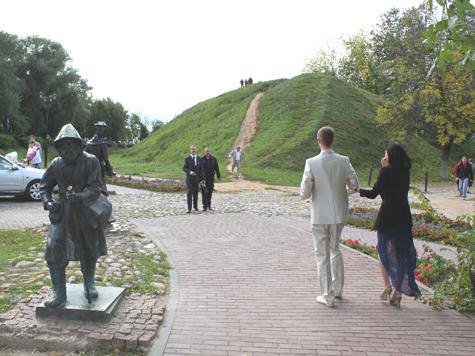 http://www.mk.ru/upload/iblock_mk/475/89/fb/1c/DETAIL_PICTURE_752992_92437809.jpg