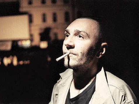 Знаменитый питерский музыкант Сергей Шнуров скоро вновь скует себя узами...