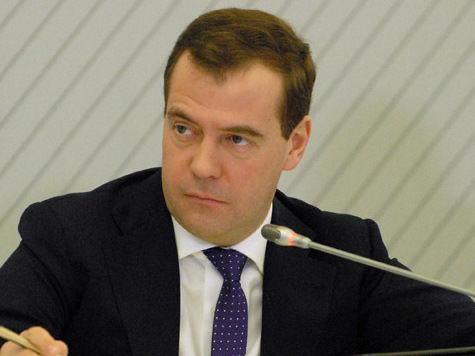 Медведев распорядился электричеством: лифты станут роскошью