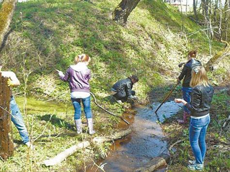 Лотошинские школьники составляют карту родников района