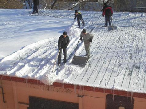 Снег на крышах начнут притягивать магнитом