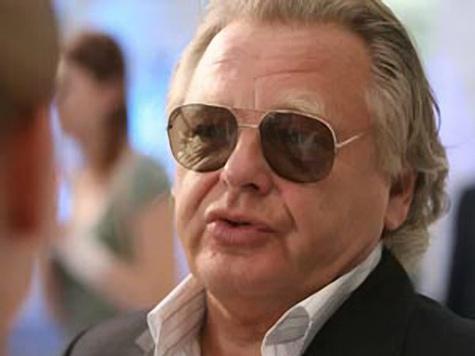 Юрий Антонов защитил себя чехлом