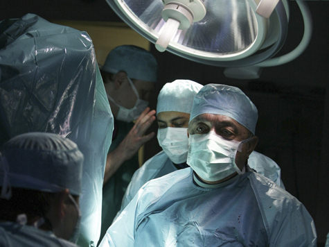 В московских поликлиниках начнут делать операции