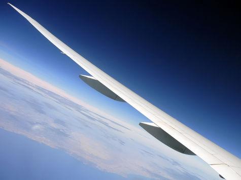 Гражданскую авиацию начнут контролировать спутники