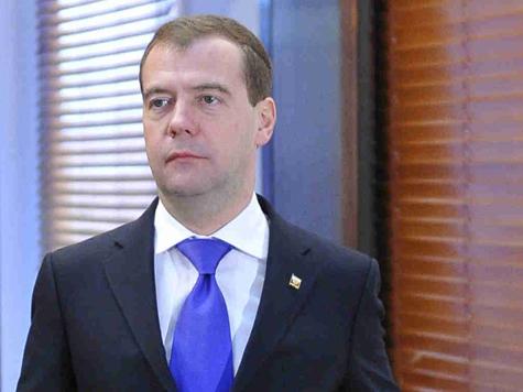 Медведев отчитал белорусов за хитрость с растворителями