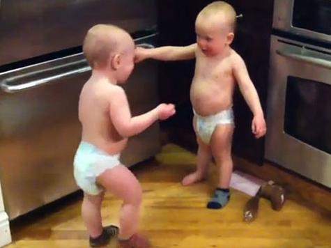 Право близнецов на общий день рождения отстояли в суде