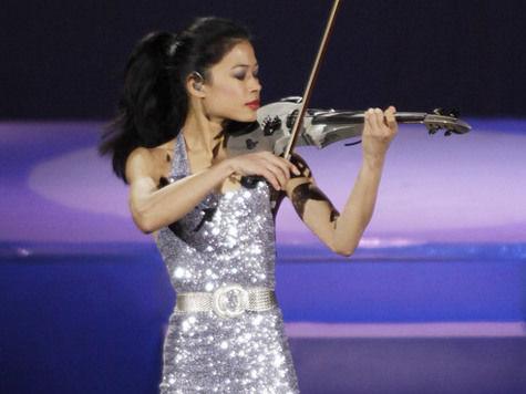 Знаменитая скрипачка Ванесса Мэй готовится к Олимпиаде в Сочи с российскими горнолыжницами