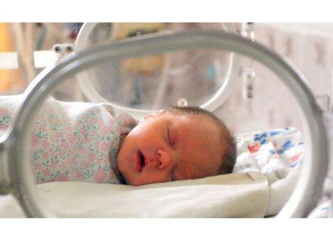 Новорожденный выжил, пролежав несколько часов  на холоде