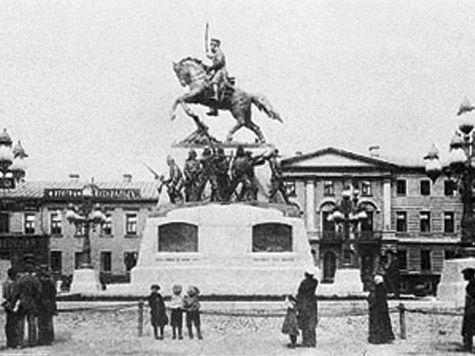 Белый генерал триумфально возвращается вМоскву