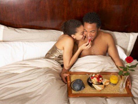 Почему современные влюбленные не торопятся жить вместе