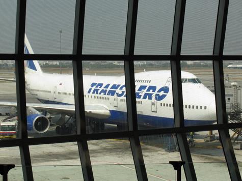 Пассажир самолета поднял бурю в стакане воды