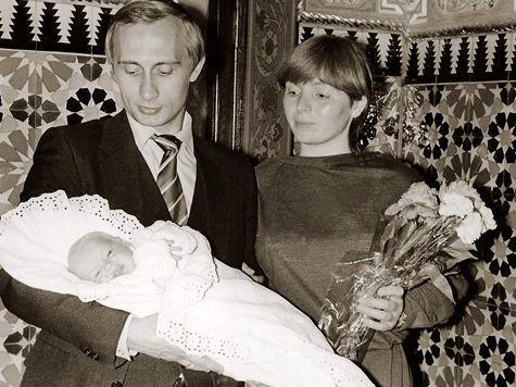 Песков: семью Путина не трогать
