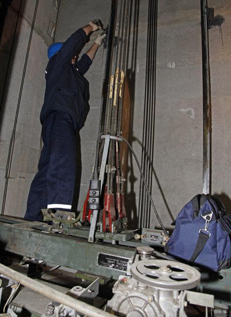В Кремле отремонтируют даже исправные лифты