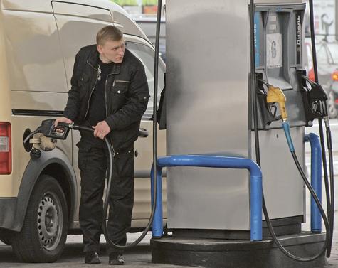 Бензин держат как могут