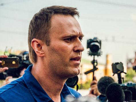 Навальный сдал подписи, попал в автозак и погулял по Москве: как это было