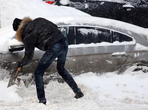 Москвичей будут штрафовать даже за замену колеса автомобиля