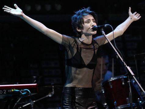 Земфира выложила в Сеть вторую песню с нового проекта