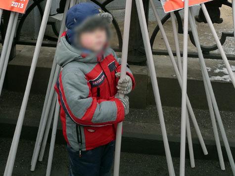 Людей «строго славянской внешности» набирают на марш в защиту детей за деньги