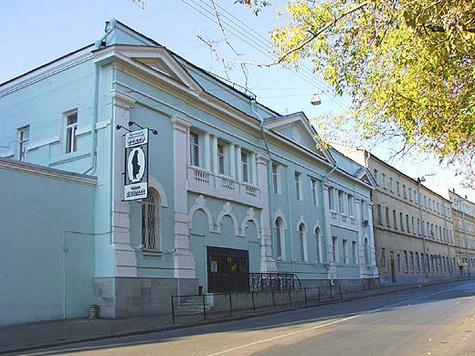Спектакли в театре Гоголя будут доставлять удовольствие спине