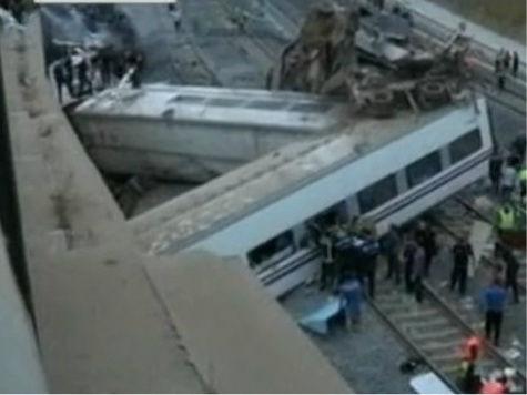 Поезд сошел с рельсов в Испании: жертвами железнодорожной катастрофы стали как минимум 77 человек