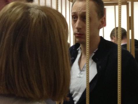 Суд оставил обвиняемого в организации «кислотного» нападения на Сергея Филина под стражей еще на два месяца Но...