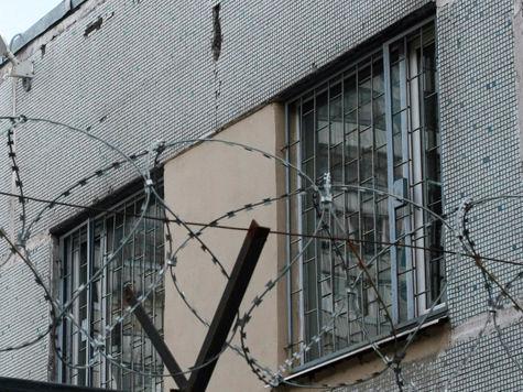 Погибшего в тюрьме могли спасти в зале суда?