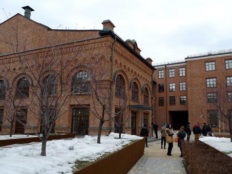 Театр начинается с фасада