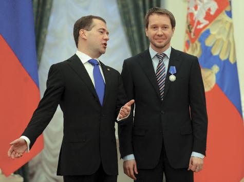 В Кремле наградили артистов и доярок