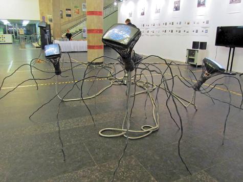 В ЦДХ завелись пауки из телевизоров