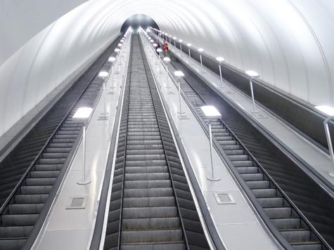 Взбесившийся эскалатор спустил начальников метро в самый низ карьерной лестницы
