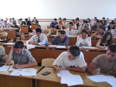 Право на дополнительные экзамены дали шести вузам
